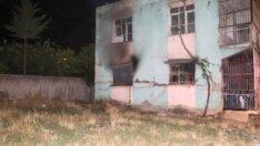 Adana'da 2 katlı müstakil ev alev alev yandı