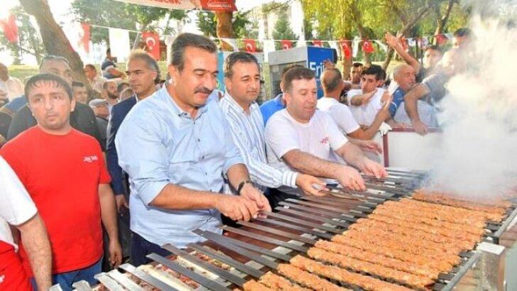 Adana'da Kebaplı İstanbul Kutlaması