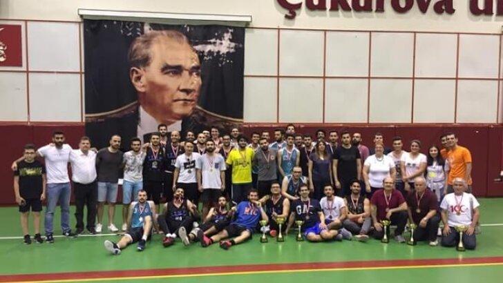 """ÇÜ'de Spor Şenliği """"ÜNİLİG"""" Tamamlandı"""