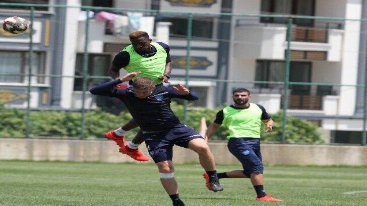 Adana Demirspor'da çalışmalar sürüyor