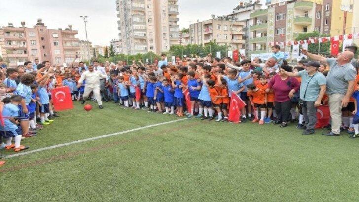 Geleceğin futbolcuları Çukurova'da yetişiyor