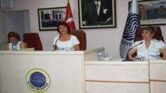 Seyhan Belediye Meclisini üç kadın yönetiyor