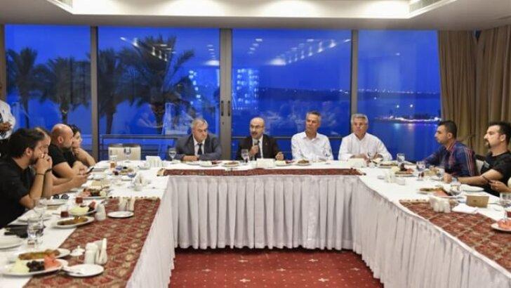Vali Demirtaş, Sosyal Medyacılarla Biraraya Geldi