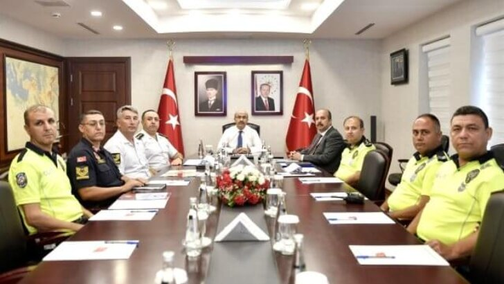 """Vali Demirtaş: """"Trafik ihmale gelmez, Kurallara Uyun"""""""