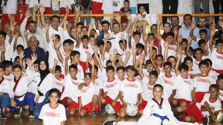 Yüreğir Belediyesi yaz spor okulları açıldı