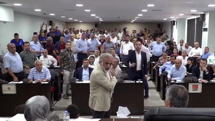 Adana Büyükşehir Belediyesi'nde borçlanmaya ret