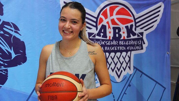 BB Adana Basketbol İrem Naz'ı Transfer Etti