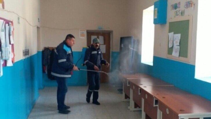 Adana'da okullar dezenfekte edildi