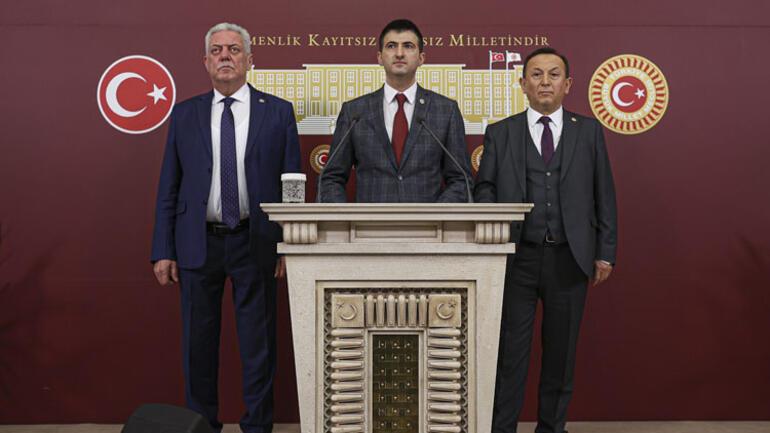 Son dakika... CHPde 3 milletvekili istifa etti