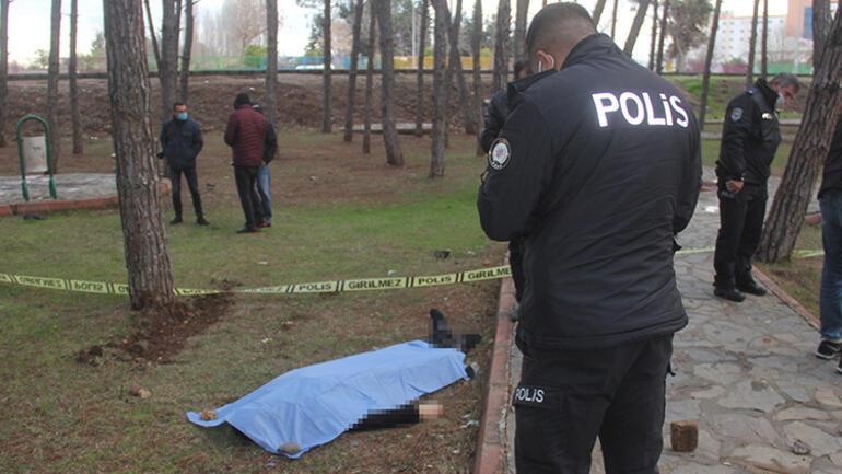 Adanada çocuk parkında korkunç olay... Spor yapan vatandaşlar fark etti