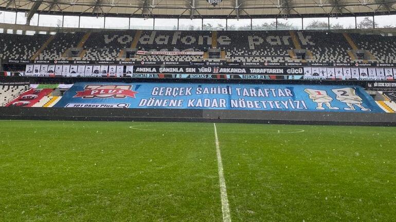Beşiktaş - Galatasaray derbisi öncesi Vodafone Parkta son durum Kar yağışı sonrası...