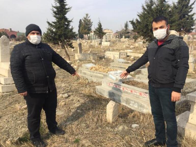 Malatyada şaşkına çeviren olay: Mezar başında keman çaldırdı