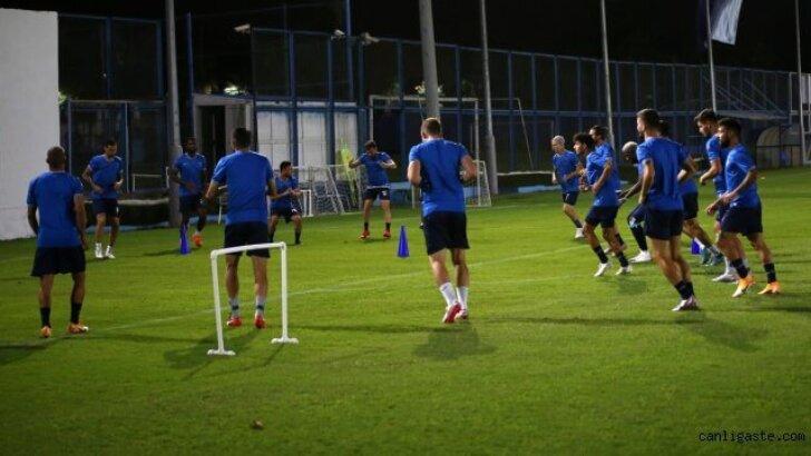 Adana Demirspor, Adanaspor ile yapacağı derbi maçın hazırlıklarını sürdürdü
