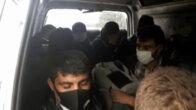 Adana'da 12 kişilik midibüsten 18 yolcu indi