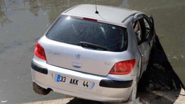 Genç kız, otomobiliyle su kanalına uçtu