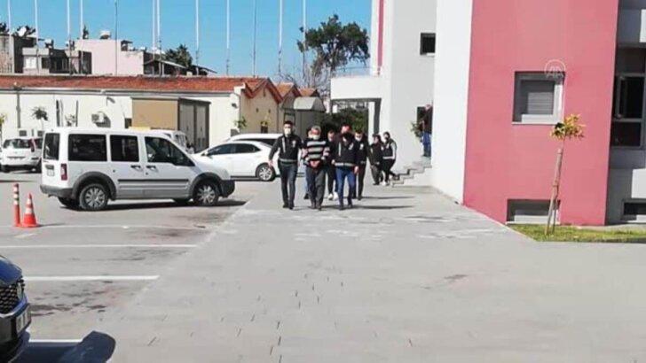 Adana'da kavgada yeğenini tüfekle öldürdüğü öne sürülen zanlı ile eşi tutuklandı