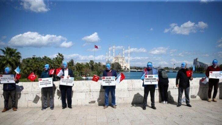 Çin'in, Uygur Türkleri'ne yönelik insan hakları ihlalleri Adana'da protesto edildi