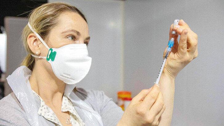 BioNTech aşısında öncelik öğretmenlerde!