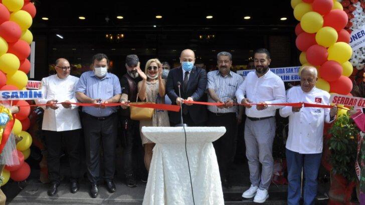 Adana'da İl Sağlık Müdürü Nacar ve TÜRES Şube Başkanı Serttaş açılışa katıldı