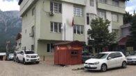 Pozantı Belediye BaşkanıÇay'danhizmet binasıönüne büfe tepkisi