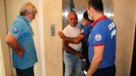 Asansörde mahsur kalan su dağıtıcısını Cankur kurtardı