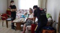 Adana'da yalnız yaşadığı evde düşen yaşlı kadının yardımına polis ve itfaiye yetişti