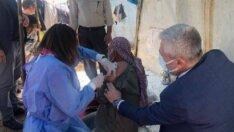 Mevsimlik tarım işçilerine çadırlarında aşı hizmeti